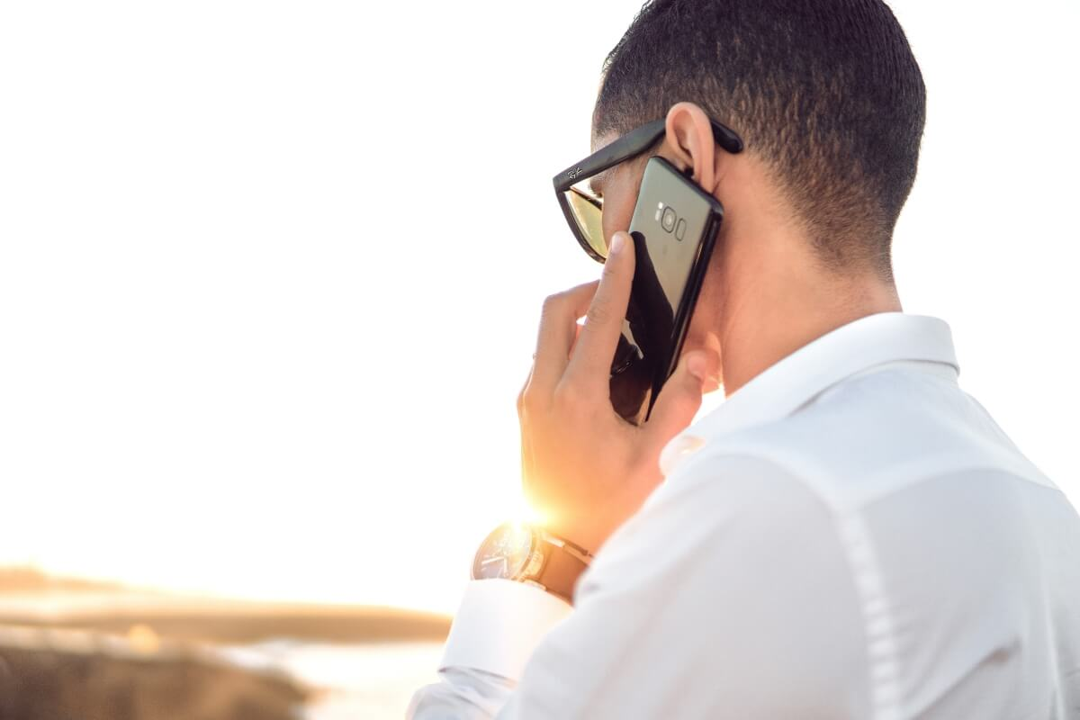 sales-prospecting- techniques--calling-on-phone